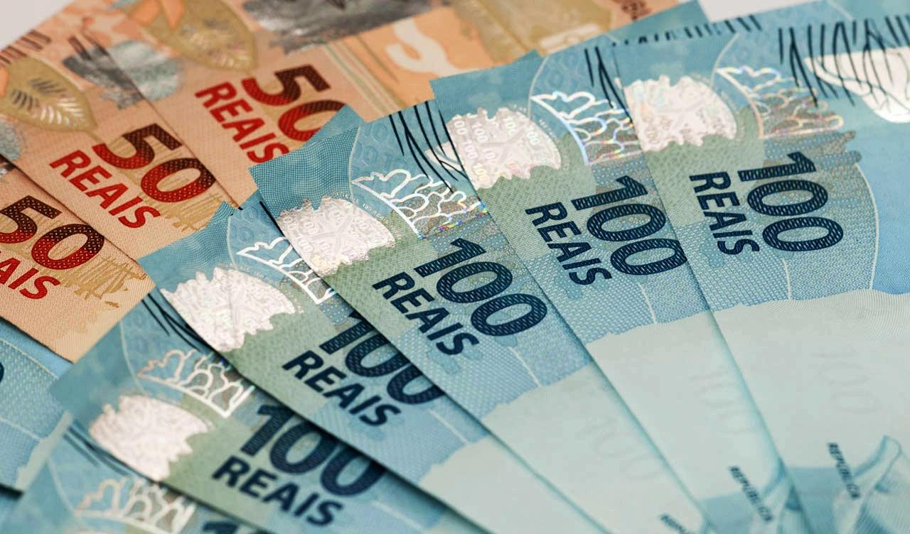 http://www.ihu.unisinos.br/images/ihu/2016/09/05_09_dinheiro_folhanobre.jpg