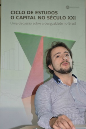Róber Avila durante palestra, no IHU. Fotografia: João Vitor Santos/IHU