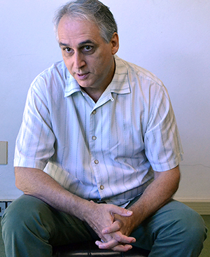 Pierre Girard durante a entrevista, no IHU