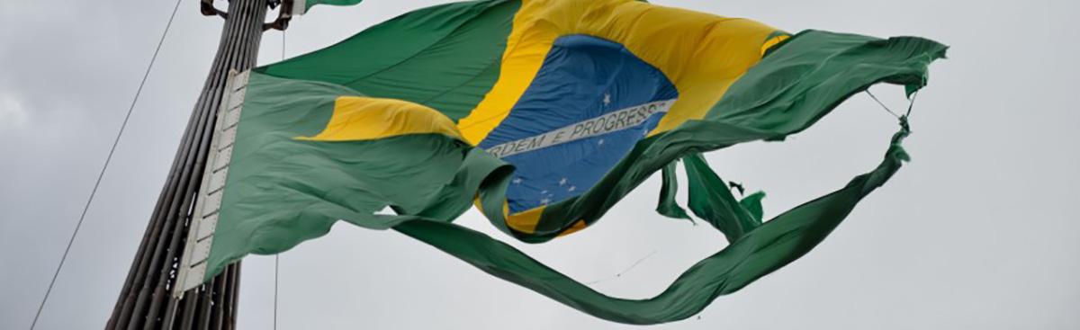 [Imagem: 18_05_bandeira_brasil_foto_fabio_rodrigu...brasil.jpg]