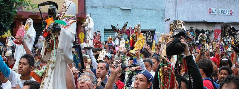 México  Tepito, morada do altar a Santa Muerte, vota no