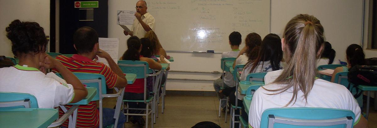18_07_escola_rodrigo_sanchez_wikipedia.JPG