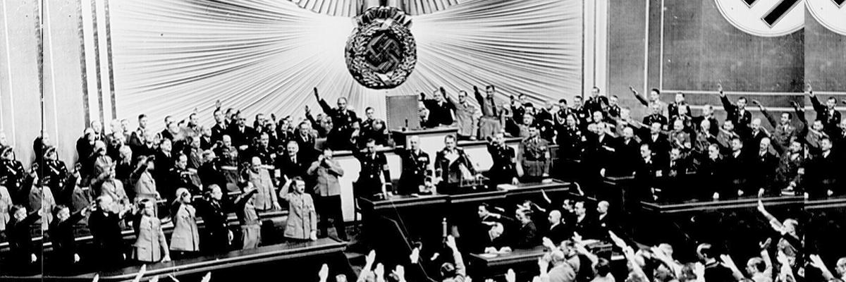 23-07-2018-nazismo-autoritarismo-hitler_MarionDossFlickr.jpg