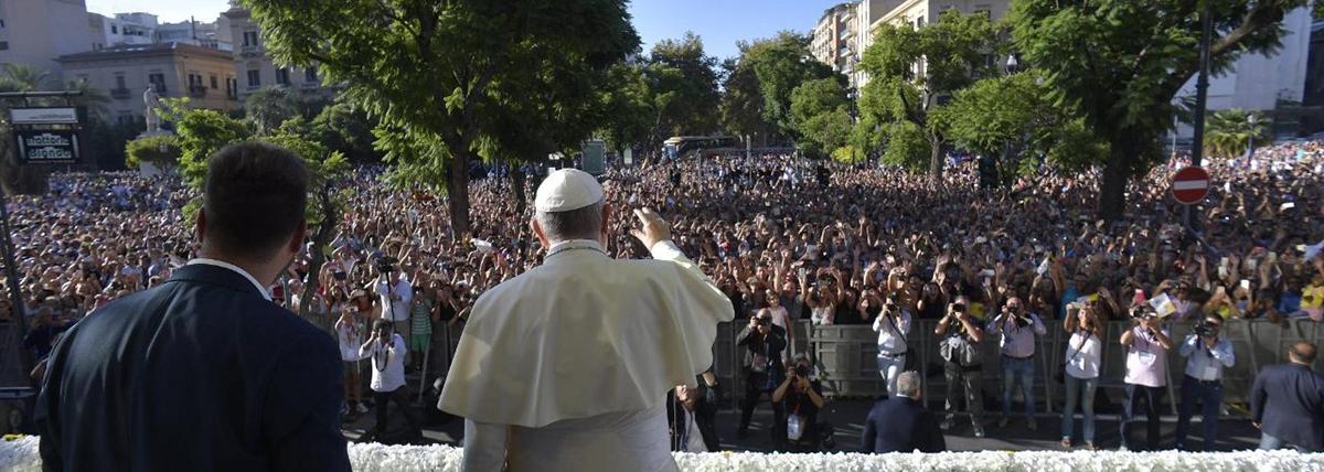 Resultado de imagem para Bênção e autoridade. Em Palermo, Papa Francisco decepciona os pequeno-burgueses. Artigo de Andrea Grillo