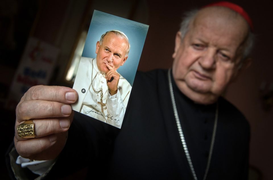 Resultado de imagem para Conservadores devem enfrentar o legado de João Paulo II na crise dos abusos sexuais