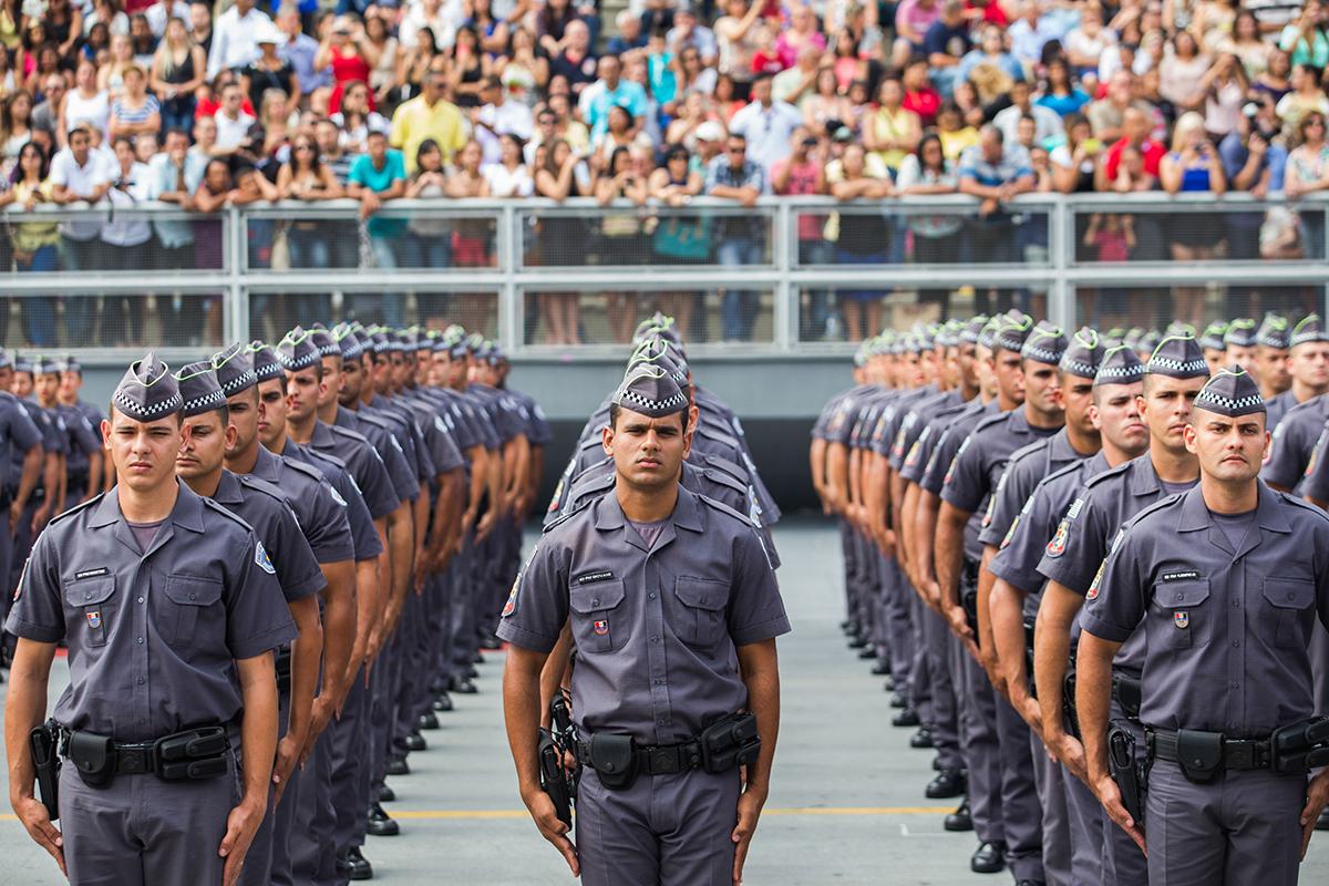 Resultado de imagem para Militarização no Brasil: a perpetuação da guerra ao inimigo interno. Entrevista especial com Maria Alice Rezende de Carvalho