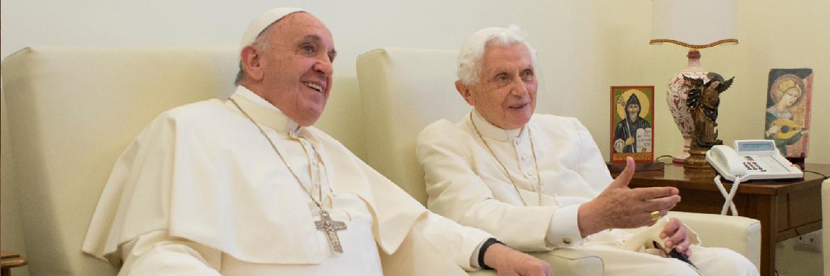 """Resultado de imagem para Francisco sai mais forte do """"livrogate"""" do Vaticano"""