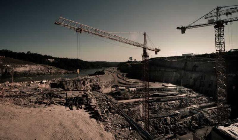 Obra de usina hidrelétrica no Rio Teles Pires, no Mato Grosso. (Foto: © Fernando Lessa/TNC)