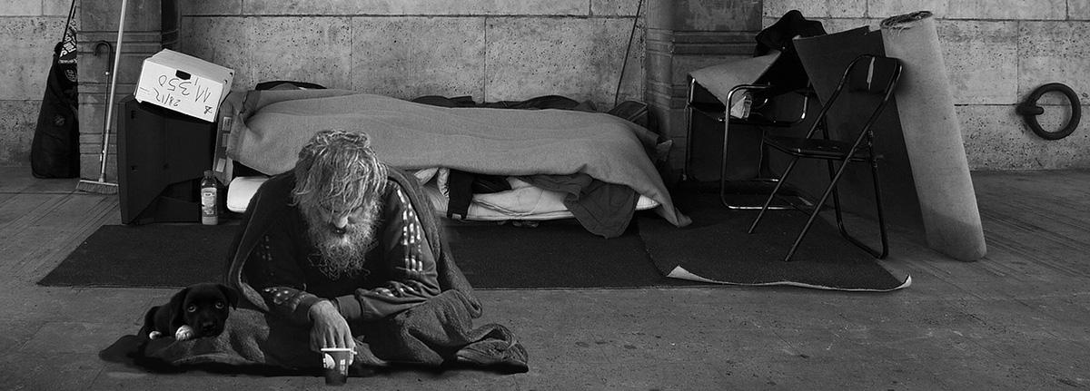 pobreza_homem_foto_pixabay.jpg