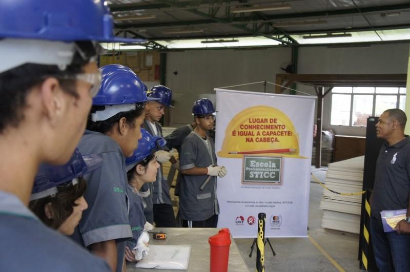 08c44c837f2c2 STICC luta pelos direitos e busca capacitar o construtor civil  porto-alegrense (Foto STICC Divulgação)