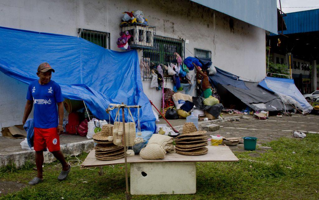 Resultado de imagem para IMAGES  DE INDIGINS DA VENEZUELA  ABANDONAS  NO  NORTE  DO BRASIL